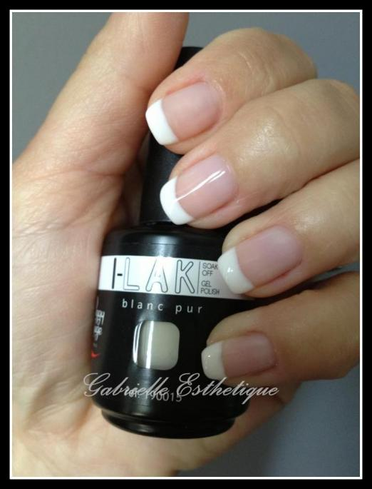 Vernis semi-permanent Ilak en french
