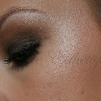 Maquillage Sophistique Dore