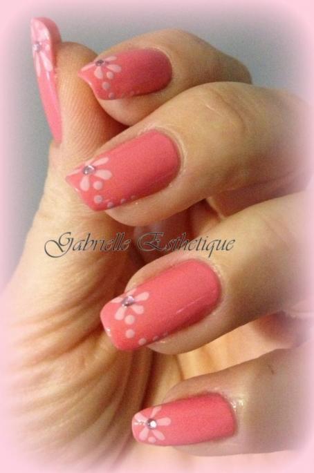 nail art facile deco fleur