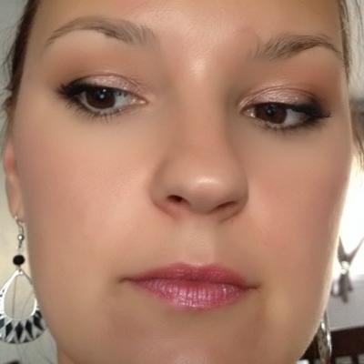 Maquillage rose naturel